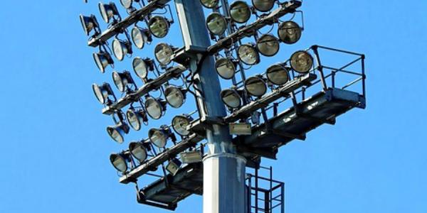 Eclairage sportif pour stades par In Elec - conception construction d'installations électriques professionnelles